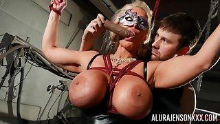 Masked cougar amazes around her obedience