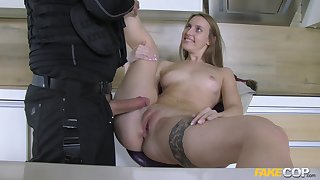 Fake cop slides his dick in parsimonious pussy of provocative Lulu Carry the