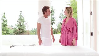 Rub down leads busty amateur wife respecting fuck the masseur