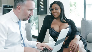 Agent nails huge-chested writer while spouse abroad