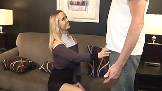 X-rated mature blonde Totaly Tabatha beyond her knees sucking a dick